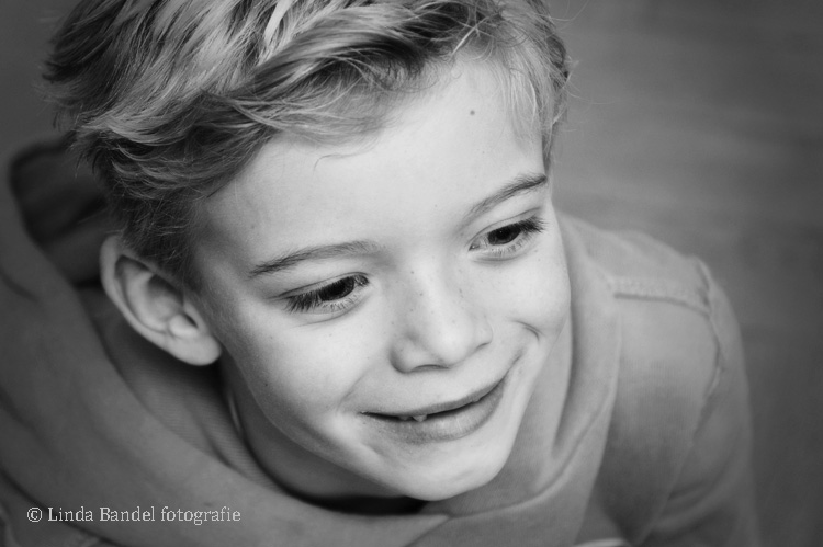 jongensportret-zwart-wit