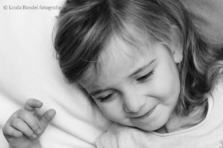 meisjesportret-zwart-wit